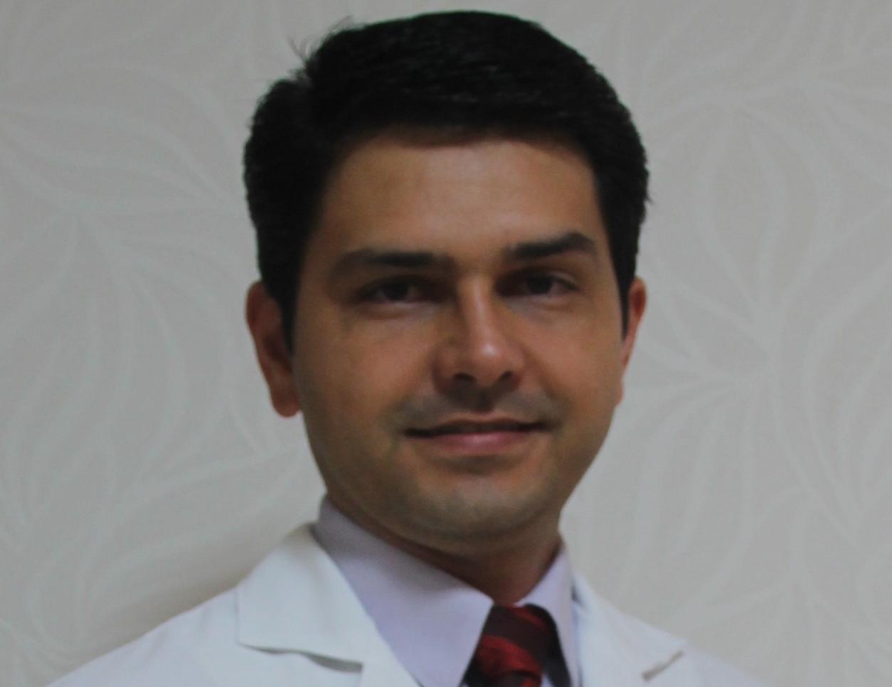 Dr. Marcus Corrêa